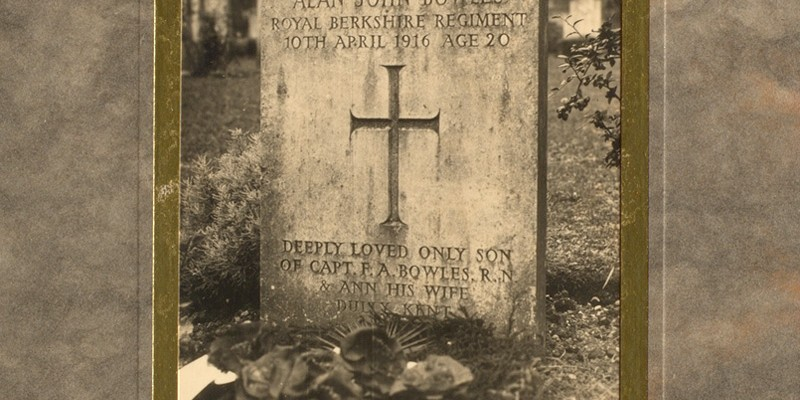 Grave of Captain Alan John Bowles, The Princess Charlotte of Wales's (Royal Berkshire Regiment)