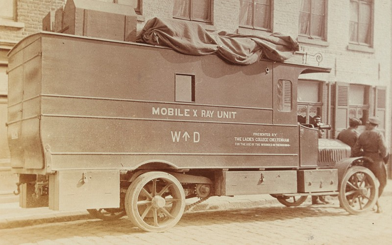 A mobile x-ray unit at Bailleul, c1915