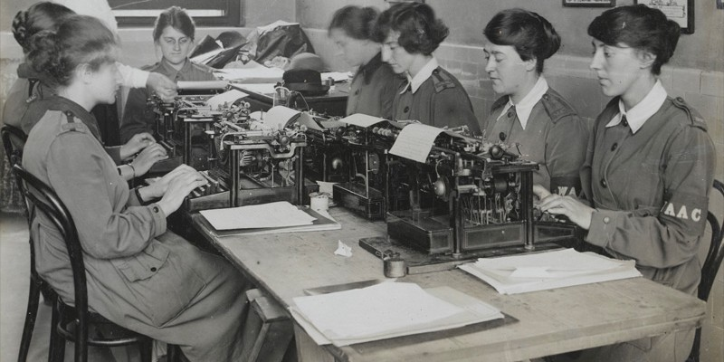 Women's Army Auxiliary Corps personnel typing, c1917