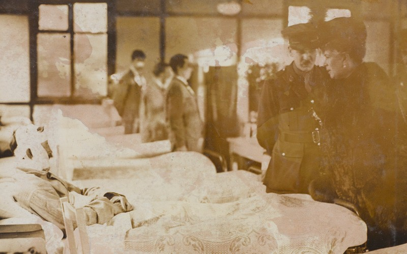 A Royal visit to the Queen's Hospital for facial injuries, Sidcup, 1917