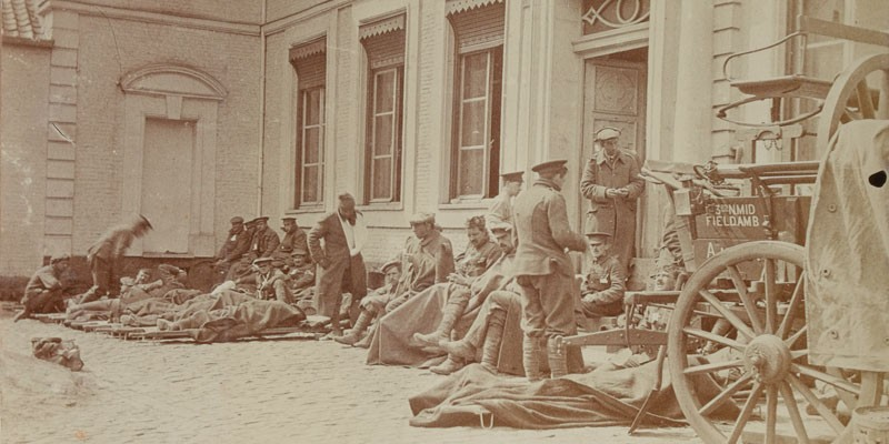 Wounded from Ypres at the improvised hospital in Bailleul, May 1915