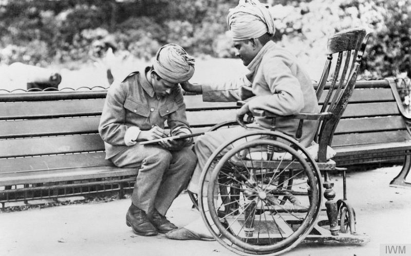 Wounded soldier dictating a letter