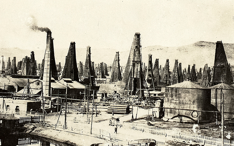 The oil fields of Binagardy, Baku, August 1918