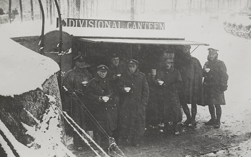 Divisional canteen on the Arras Road near St Pol, 1917
