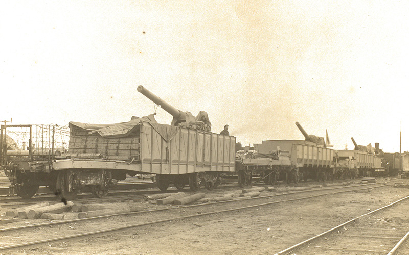 Guns on an armoured train in Russia, 1919